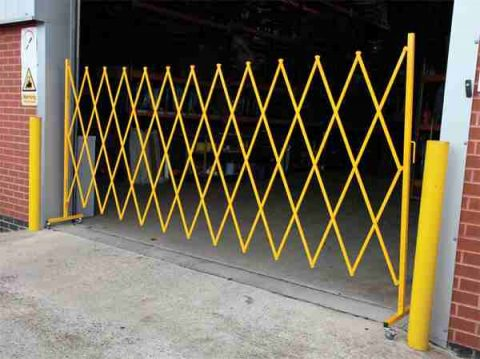 A Brief Guide to Retractable Safety Barriers