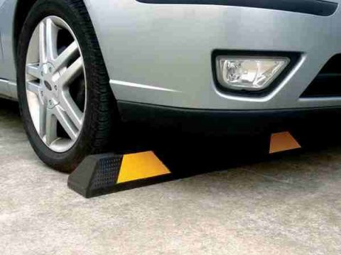 3 Ways That Rubber Wheel Stops Can Help Disabled People
