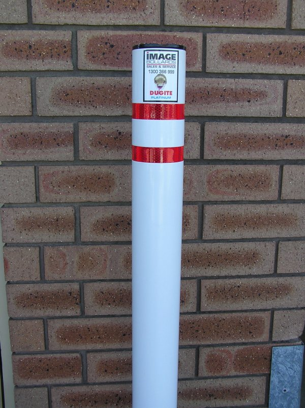 Dugite Platinum Manual Retractable Bollard