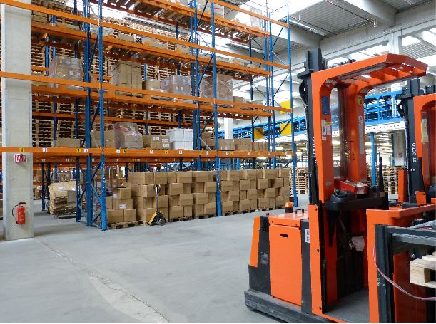 5 Safety Barrier Must-Haves in Every Warehouse